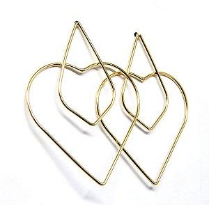 Brinco geométrico coração folheado em ouro 18k