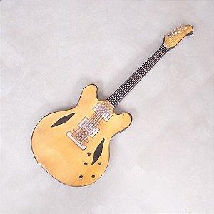 Guitarra de Parede Chuck