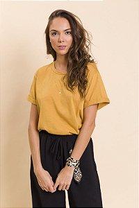 T-Shirt Básica Mostarda Tina