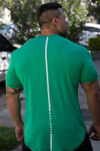 Camiseta Masculina Estampada Longline com Elastano Verde- Boulders Fit