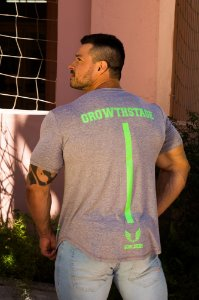 Camiseta Masculina Estampada Longline com Elastano Manga Curta  - Boulders Growthstage Mescla