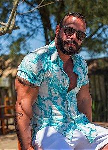 Camisa Masculina Slim Manga Curta em Viscose Tie Dye Turquesa