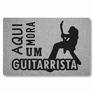 Tapete Capacho Aqui Mora um Guitarrista - Prata