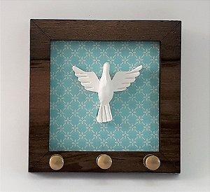 Porta-chaves Espírito Santo. Cor Azul, em Madeira, MDF, resina. Medida 11x11 cm