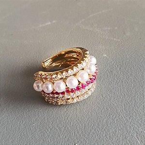 Piercing cravejado Pink x pérola gold