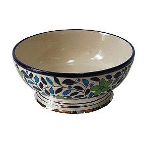 Bowl de cerâmica pintado a mão, com flores verdes e folhas azuis