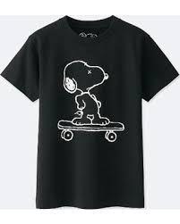 UNIQLO x Kaws x Peanuts - Camiseta Kids Snoopy Preto