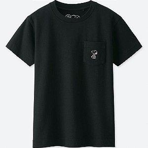 UNIQLO x Kaws x Peanuts - Camiseta Kids Small Logo Snoopy Preto