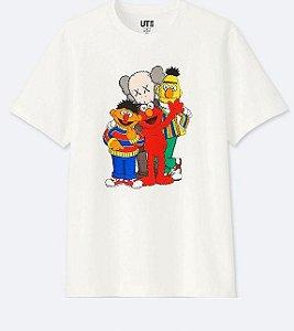 UNIQLO x KAWS x SESAME - Camiseta Kids Street Branca