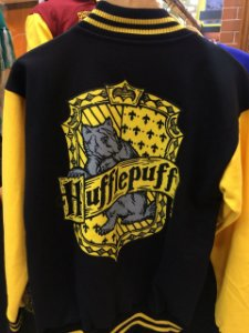 CASACO COLEGIAL HARRY POTTER LUFA LUFA Hufflepuff