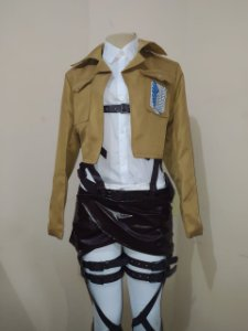 COSPLAY COLDRE E JAQUETA TROPA DE EXPLORAÇÃO SHINGEKI NO KYOJIN ATTACK ON TITAN