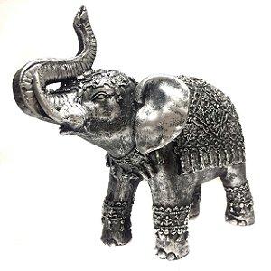 Estátua de Elefante Indiano Prateado Resina 19,5cm