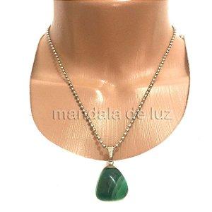 Colar Prateado de Pedra Ágata Verde
