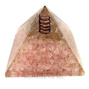 Orgonite de Quartzo Rosa e Cobre em Pirâmide