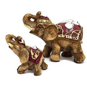 Estátuas de Elefantes Indianos com Filho Vermelho