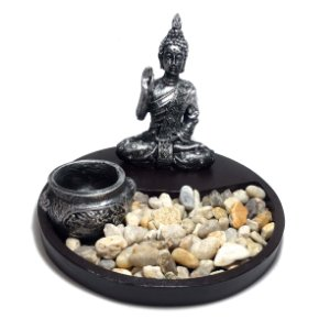 Altar de Buda com Jardim de Pedra e Castiçal