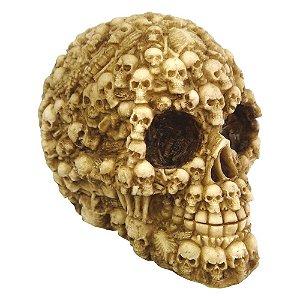 Decorativo Caveira com Cranios de Resina