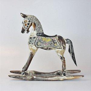 Cavalo de Balanço Branco G