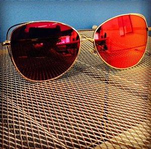 Solar espelhado