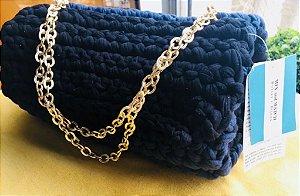 bolsa em fio de malha azul marinho e preto
