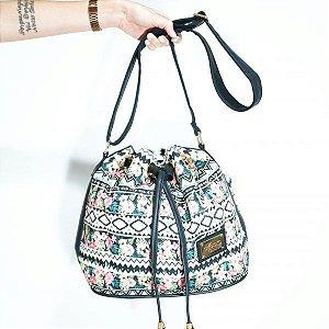 Bolsa Saco com Estampa Floral Étnica