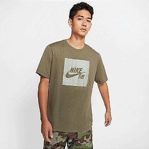 Camiseta Nike SB TEE Logo Nomad Verde - CJ0444-222