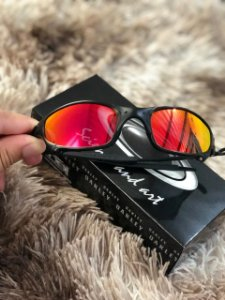 Óculos Oakley Juliet Vermelha Armação Preta Frete Grátis