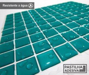 Placa Pastilha Adesiva Resinada 30x28,5 cm - AT038