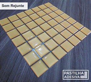 Placa Pastilha Adesiva Resinada 18x18 cm - AT073 - Amarelo