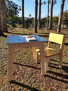 Conjunto Cria - Mesa + 1 Cadeira (4 a 7 anos)