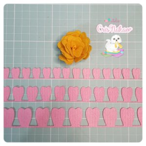 Recortes em Feltro - Rosas modelo 1 - 3 un 2,5cm x 50cm (aprox)
