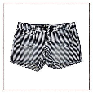 Shorts Listrado Importado
