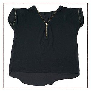 Camiseta Tess Decote Zíper
