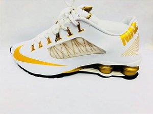 Tênis Nike Shox R4 Superfy -Branco Com Dourado