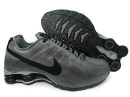 Tênis Nike Shox Junior - Cinza com Preto