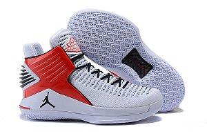 Tênis Air Jordan XXXII Mid Masculino- Branco com Vermelho