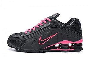 Tênis Nike Shox R4 2020- Preto com Rosa Feminino