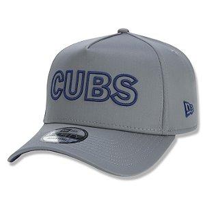 Boné New Era Chicago Cubs 940 A-Frame MLB Tech Outline Cinza