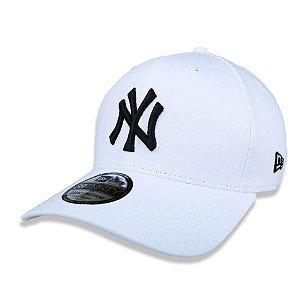 Boné New York Yankees 3930 Black on White Branco - New Era