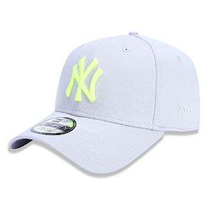 Boné New York Yankees 3930 Logo Neon - New Era