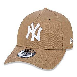 Boné New York Yankees 940 White on Wheat - New Era