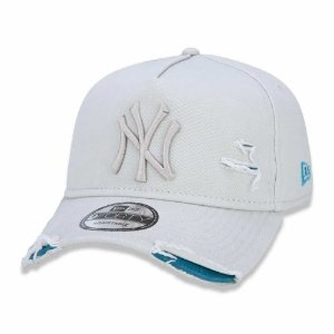Boné New York Yankees 940 Damage Destroyed Off White - New Era