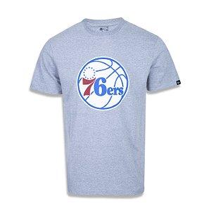 Camiseta New Era Philadelphia 76ers Basic Logo NBA Cinza