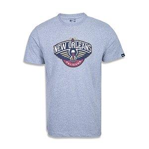Camiseta New Era New Orleans Pelicans Basic Logo NBA Cinza