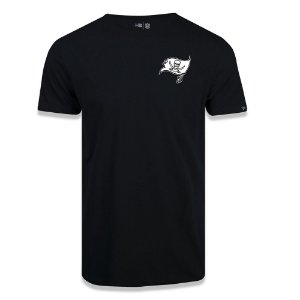 Camiseta New Era Tampa Bay Buccaneers Black Pack Preto