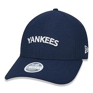 Boné New Era New York Yankees 940 College Script Women