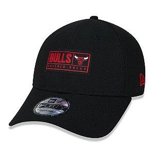 Boné New Era Chicago Bulls NBA Label Block Aba Curva Preto