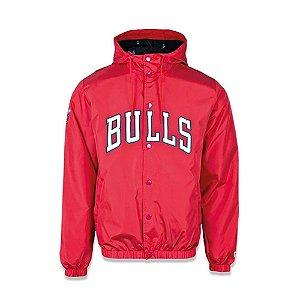 Jaqueta Corta Vento New Era Chicago Bulls NBA College Script