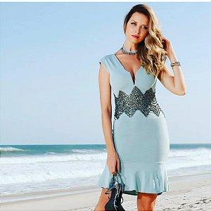 vestido curto mar e brilho