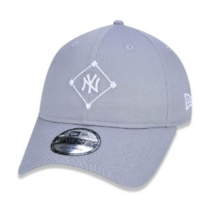 Boné New Era 920 New York Yankees Field Logo Cinza - Strapback